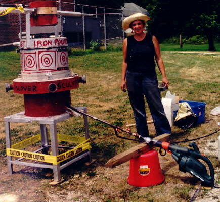2002 artist resident Coral Lambert conducted a public cast iron event and outdoor sculpture exhibition, including work made through public sculpture workshops.